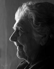 Tia Maa Vol.2 (Jairen_) Tags: portrait white black blanco monochrome monocromo y perfil retrato negro abuela