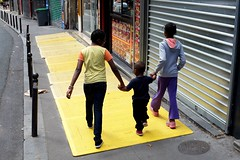"""206/366 Yellow (serie """"one color per day"""") (Kairos !) Tags: yellow jaune color colorful serie street city urban streetphotography streetphotographer streetwalk conceptphotos conceptualimage 366 366days project366 2016pad fujixt10"""