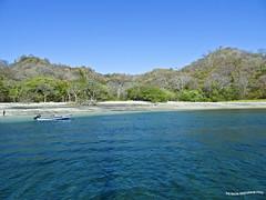 Paseando por el Pacifico (pniselba) Tags: costarica sea mar ocean oceano pacifico oceanopacifico isla island beach playa playasdelcoco guanacaste