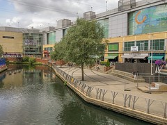 The river Kennet runs through the Oracle shopping centre in Reading, Berkshire (Anguskirk) Tags: england greatbritain readingberkshire riverkennet shoppingcentre shops theoracle uk reading unitedkingdom gb