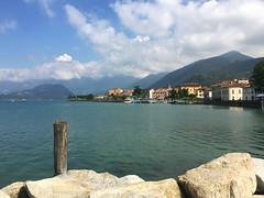 (Paolo Cozzarizza) Tags: italia lombardia brescia iseo acqua lago lungolago panorama pietra cielo