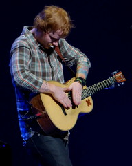 Ed Sheeran - Sioux Falls, SD 2015 - P1270614 (mastrfshrmn) Tags: irish english rock southdakota concert tour guitar folk live stage performing may pop redhead solo singer british perform rap siouxfalls songwriter electricguitar multiply acousticguitar 2015 edsheeran premiercenter dennysanfordpremiercenter dennysanford edshearan