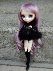 Comme une héroïne qu'on chérit un peu trop (Bluemerry) Tags: doll wig pullip glasseye lavenderhair rewigged pullipfc ninakillyou