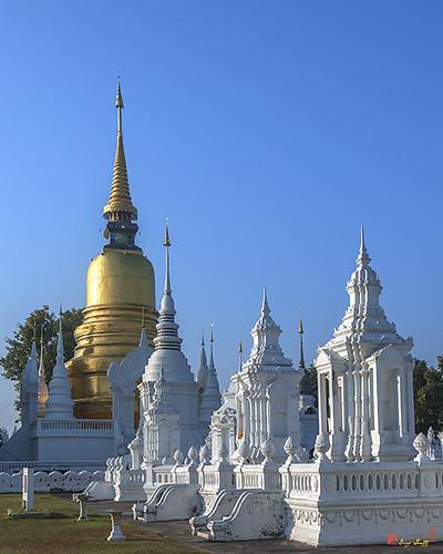 Wat Suan Dok Buddha Relics Chedi and Reliquaries of Northern Thai Royalty (DTHCM0947) วัดสวนดอก พระบรมธาตุเจดีย์ และ กู่เจ้านายฝ่ายเหนือ