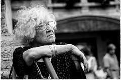 Street portrait (Roberto Spagnoli) Tags: people blackandwhite woman donna streetphotography streetportrait biancoenero 50mmcanon fotografiadistrada