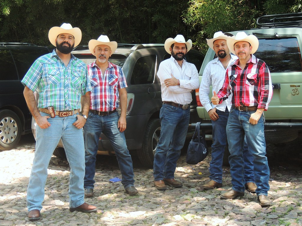 65c108eb70df0 TEQUILA JALISCO MEXICO (jazztubo68) Tags  amigos mexico nikon cowboy  retrato pueblo jalisco tequila