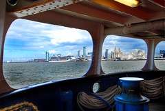 FROM THE STERN OF THE MERSEY FERRY. (tommypatto : Libert, galit, fraternit) Tags: liverpool river ferries rivermersey ferryacrossthemersey