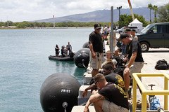 160720-A-ZQ422-005 (8th Theater Sustainment Command) Tags: army pacific hawaii oahu jointbasepearlharborhickam jbphh rimofthepacific rimpac 8ththeatersustainmentcommand 8thtsc 7thengineerdivedetachment 7thedd canada divers sidescansonar sss