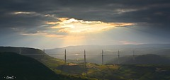 Viaduc de Millau (- ZouZ -) Tags: france nikon ciel pont nuage paysage extrieur millau viaduc aveyron exterieur d5200