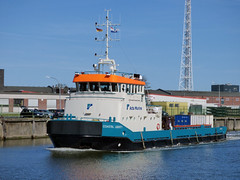 Coastal Liberty (IMO 9186077) (Parchimer) Tags: cuxhaven fischereihafen versorger offshorevessel