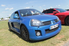 Clio V6 (xwattez) Tags: auto old france car french automobile expo clio voiture renault exposition transports v6 ancienne 2015 rtro franaise vhicule escatalens