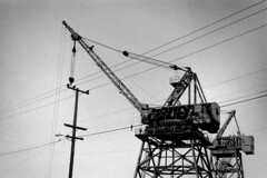 (sundaychild) Tags: industrial crane dogpatch caffenol fujineopanss