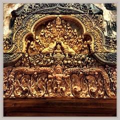 Banteay Srei, Amgkor - Cambogia #lapatataingiacchettaincambogia (PatataInGiacca) Tags: instagramapp square squareformat iphoneography uploaded:by=instagram rise