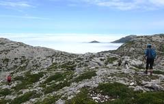 Un paseo por las nubes... (Begoa Fernndez) Tags: summer sky clouds trekking hiking asturias cielo nubes verano limestone hiker hikers senderismo picos uda picosdeeuropa zerua asturies hodeiak mardenubes caliza cornin macizooccidental kareharria