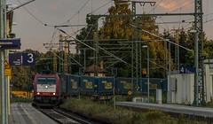 1441_2016_07_08_Baunatal_Guntershausen_XRAIL_6185_590_mit_LKW_Walter_KV_DGS_98799_Worms_Gbf_-_Rostock_Seehafen (ruhrpott.sprinter) Tags: ruhrpott sprinter geutschland germany nrw ruhrgebiet gelsenkirchen lokomotive locomotives eisenbahn railroad zug train rail reisezug passenger gter cargo freight fret diesel ellok hessen inselbahnhof guntershausen bebra boxxboxxpress db cantus hebhlbahn mrcedispolok prontorail rbk sbbc spagspitzke txltxlogistik wwwdispolokcom xrail 101 114 115 146 120 51 152 155 182 185 193 427 428429 482 628928 946 makde27001251 es64u2 es64f4 pbz ic re outdoor logo graffiti natur