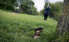 HBW - Missing boot (Tom Insole Photography) Tags: cambridge tree green field grass digital canon wednesday walking lost happy boot shoe day dof bokeh walk meadow depthoffield bark trunk dslr depth granchester lostboot cs6 walkingboot canonphotography granchestermeadows canonphotographer canon40d bokehwednesday happybokehwednesday cambridgephotographer