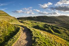 Rushup edge, Derbyshire (Keartona) Tags: england sky sunlight landscape evening spring path walk derbyshire peakdistrict bumpy hills edge mamtor rushup