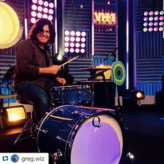 #Repost @greg.wiz with @repostapp. ・・・ Playing the Q blue-sparkle 2 pc. @qdrumco on @VH1 with Lenka @wesleygee @_lenkamusic #VH1BUZZ #TimeSquare #NYC @BigMorningBuzz