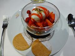 Mon plat prfr. (caramoul25) Tags: dessert bol assiette glace fraises caramoul25