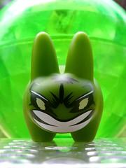 Hulk-timatum ! (AGUILA81) Tags: green toy vert collection collectible hulk figurine marvel kozik jouet arttoy labbit designertoy