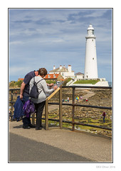 Day Trippers (Seven_Wishes) Tags: newcastleupontynenortheast northtyneside whitleybay jdo kc gs md photoborder outdoor canoneos5dmark3 canonef24105mmf4lis sea island coastal buildings architecture lighthouse stmarysisland stmaryslighthouse causeway people couple husband wife husbandandwife families parents children halcyon tidal listedbuilding gradeiilisted cottages keeperscottages johnmillercompany 1898 baitisland tower rocks shoreline shore reflections hedge grass plants edoliver 7wishes 7wishesphotography
