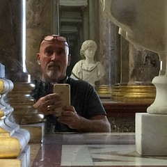 Autoportrait in The Louvre (Mister.Marken) Tags: autoportrait squared selfie