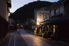 a hot summer night (k n u l p) Tags: night street historic old hiroshima takehara japan family sony nex7 sel1670z 1670mm 広島 竹原
