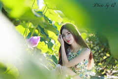 (SU QING YUAN) Tags: beauty beautiful model young pretty girl portait summer sun flower taiwan taipei sony a99 zeiss 135za sonnart18135