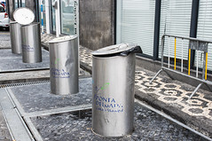 Novel containers for garbage collection (Staffan Swede) Tags: garbage sopor collection insamling azores azorerna pontadelgada container behllare nya novel