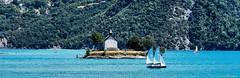 lac en montagne (ni.colas) Tags: art photo lac montagne bleu eaux eau bateaux balade beaut bleue beau