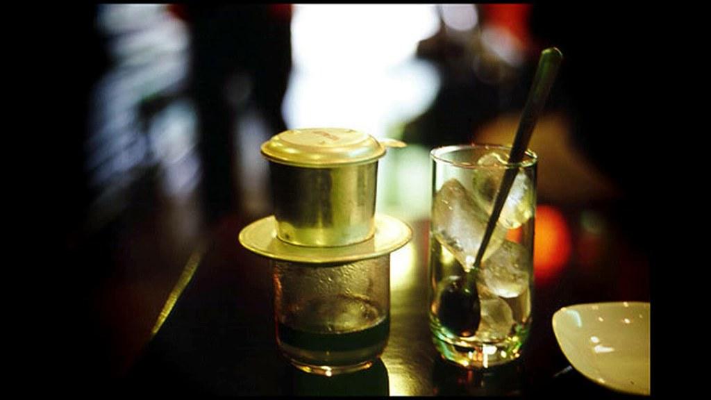 5Bạn sẽ thấy Sài Gòn khác biệt một khi bạn ngồi quán vỉa hè