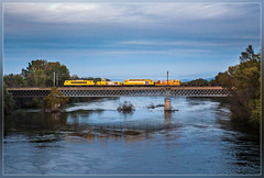 SNCF 22297, Pont-Saint-Esprit 15.10.2014 (VTZK) Tags: bridge blue france water river eau wasser blauw bleu pont brug brücke infra gard sncf fleuve languedocroussillon ardèche rivier 22200 saintjust 67400 69200 pontsaintesprit