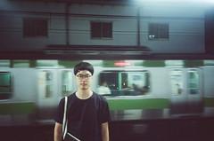 KEN (NaisuMollusk) Tags: portrait film gold tokyo kodak olympus jr xa2 200 olympusxa2 yamanote