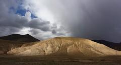 Landscape of Gyantse county, Tibet 2016 (reurinkjan) Tags: tibet  2015  janreurink tibetanplateaubtogang tibetautonomousregion tar tsang gyantscounty tibetanlandscapepicture landscapeyulljongsynjong landscapesceneryrichuyulljongsrichuynjong landscapepictureyulljongsrimoynjongrimo naturerangbyungrangjung natureofphenomenachoskyidbyings earthandwaternaturalenvironmentsachu