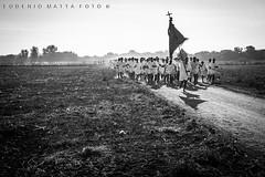 Corsa degli scalzi Cabras (matta.eu) Tags: cabras sansalvatore scalzi sardegna canon canon50d biancoenero