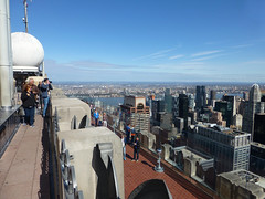 Top of the Rock (skumroffe) Tags: nyc newyorkcity usa newyork unitedstates manhattan rockefellercenter topoftherock observationdeck gebuilding 30rockefellercenter comcastbuilding