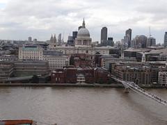 DSC07152 (Ben Sutherland) Tags: creativecommons creativecommons20 london londonskyline tatemodern viewfromthetatemodern londonfromthetate londonviews