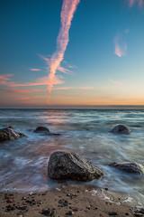 Stone (E.J.A. Photo) Tags: steine wasser ostsee balticsea himmel sonnenuntergang sunset farben farbspiel colors