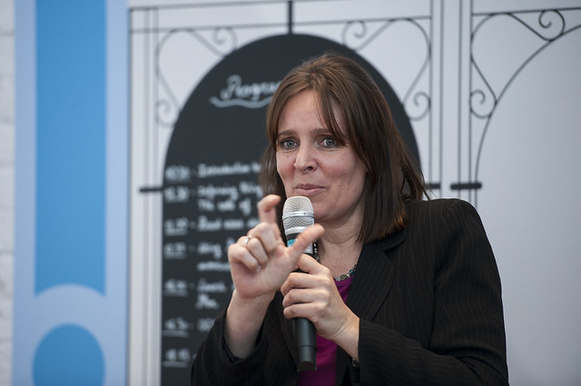 Sophie Punte presenting