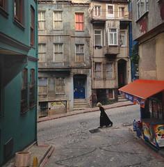 La fillette de Fener (NikosLiapis) Tags: street old city windows girl turkey walking exterior traditional hill down istanbul downhill slope faade fener nikosliapis