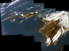 Some Hawaiian Islands, variant (sjrankin) Tags: 11july2016 edited panorama iss iss048 iss048e2256 iss048e2257 iss048e2258 iss048e2259 iss048e2260 iss048e2261 hawaii hawaiianislands clouds pacificocean oblique