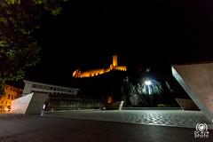 Bellinzona di notte (andrea.prave) Tags: switzerland svizzera suiza suisse schweiz     cantonticino tisn tessin bellinzona bellenz bellinzone castelgrande notte night noche nacht