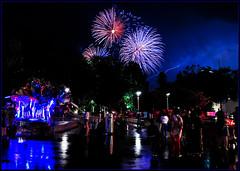 Encore et encore......again and again.... (www.nathalie-chatelain-images.ch) Tags: france night nice nikon fireworks crowd celebration thunderstorm foule fte nuit orage 14juillet feuxdartifice independanceday ftenationale