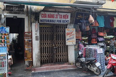 Entrance (moniewka) Tags: vietnam hanoi oldquarter podre