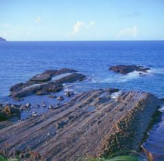 seashore (Jeanhom Chen) Tags: seascape film rolleiflex kodak transparency e100vs 28f