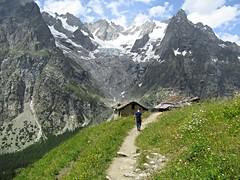 The long way to the top (mauro.loffredo) Tags: valledaosta aosta trekking mountain italy italia landscape verde roccia kid bambino child open natura