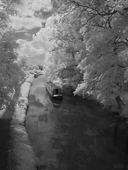 Along The Droitwich & Worcester Canal (Phil Dodd CPAGB BPE1*) Tags: canoneos40d infraredphotography canal barge droitwichworcestercanal monochrome blackwhite mono