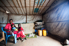 Family Separations after the war (Albert Gonzalez Farran) Tags: idp idpcamp juba poc southsudan children clashes displaced displacedpeople families family familyreunion health hospital violence war jubek