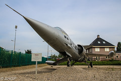 F-104G (c/n 9124) 26+02 as D-8029, Royal Netherlands Air Force, Hasselt, The Netherlands (harrison-green) Tags: f104 starfighter rnlaf royal netherlands air force spanish espana zaragoza base aerea planes sticks stick plinth mounted preserved museum aircraft aviation canon eos 700d sigma 18250mm demobbed hasselt