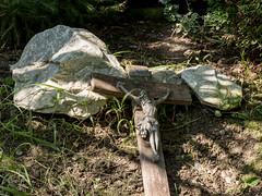 SPLINSON's Pixelwurst (spline_splinson) Tags: catgrave christicross cross grave inri jesus